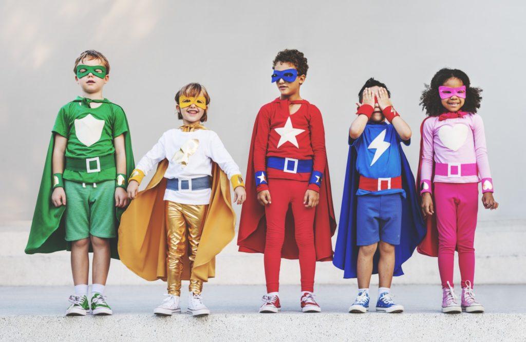 ヒーローに憧れる子供達