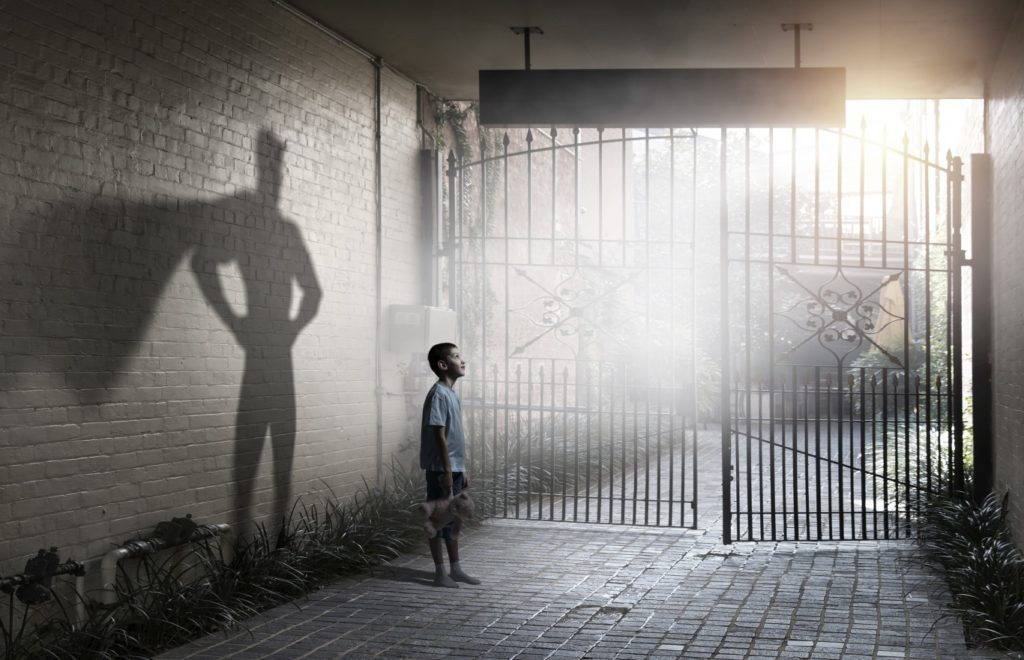 ヒーローを夢見る子供とその子の将来